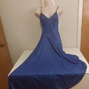 Vintage UndercoverWear blue negligee nightgown